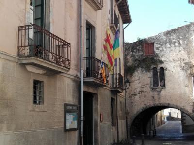 Edifici noucentista de Can Cendra.jpg