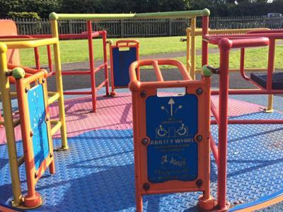 Accessibilitat en parcs infantils