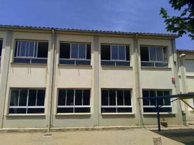Canvi de finestres a l'escola Pompeu Fabra