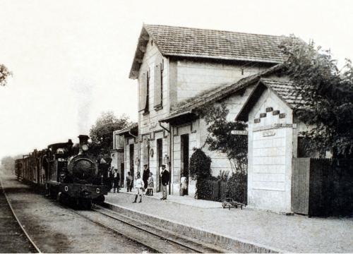 Antiga Estació d'Anglès_.jpg